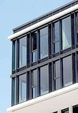 Sonnenschutzfolie   AX Plus 70   für Außenverlegung